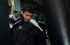 Роман Гонсалес и Халид Яфай могут провести бой в Великобритании