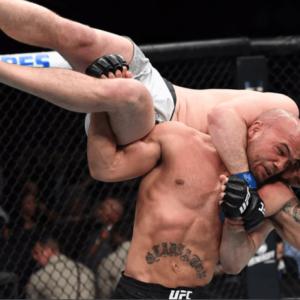 UFC 235: Бен Аскрен быстро разобрался с Робби Лоулером