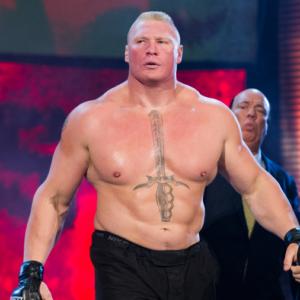 Брок Леснар после потери титула чемпиона WWE и хочет бой с Кормье
