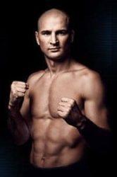 Александр Яковлев удушающим приёмом победил Алекса Да Сильву на UFC Fight Night 149