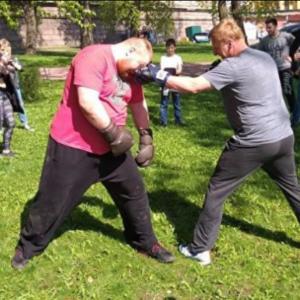 Вячеслав Дацик провёл спарринг с депутатом