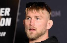 Александр Густафссон заявил о завершении карьеры