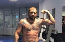 Александр Емельяненко занялся своим телом