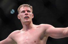 Александр Волков и Алистар Оверим могут провести бой на турнире UFC в Москве