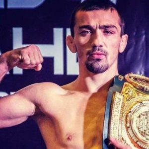 Аскар Аскаров подписал контракт с UFC