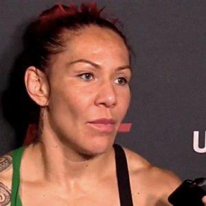 Крис Сайборг «отчитала» Дану Уайт на послематчевой пресс-конференции UFC 240
