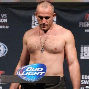 Алексей Олейник вероятно будет выступать на ноябрьском турнире UFC в Москве