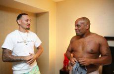 Макс Холлоуэй написал письмо для Кормье после поражения Даниэля на UFC 241