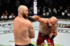 Омари Ахмедов добыл победу над Заком Каммингсом на UFC 242