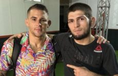 Хабиб Нурмагомедов и Дастин Порье сделали совместное фото после турнира UFC 242