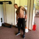 Александр Емельяненко начал работу над набором мышечной массы