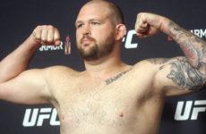 Видео боя Джефф Хьюз — Рафаэль Пессоа UFC Fight Night 162