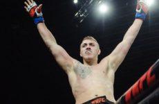 Сергей Спивак победил Тая Туивасу на турнире UFC 243
