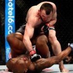 Муслим Салихов и Мовсар Евлоев выступят на турнире UFC в Сингапуре