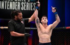 Видео боя Джо Солецки — Мэтт Уиман UFC on ESPN 7