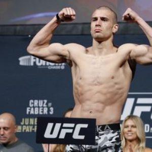 Видео боя Кэй Би Бхуллар — Том Бриз UFC Fight Night 179