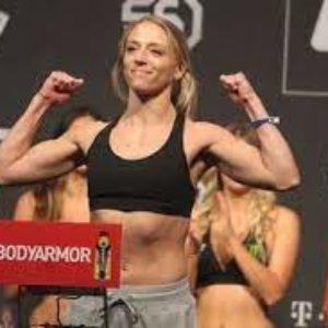 Видео боя Ханна Голди — Эмили Уитмайр UFC Fight Night 192
